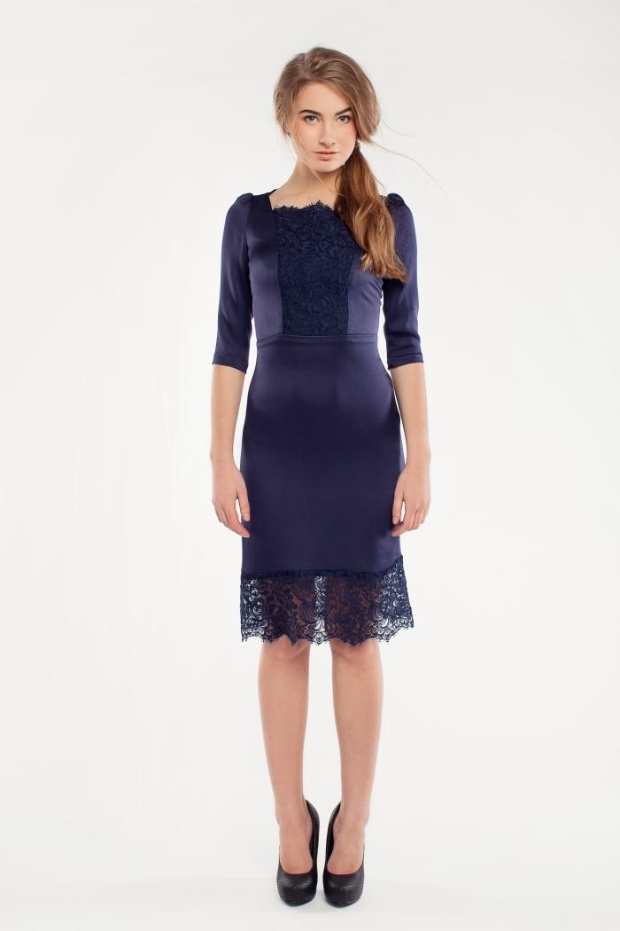 Sinine pitsiga kleit