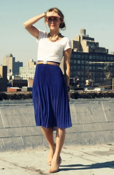 blue-pleated-skirt