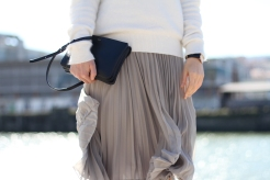 clochet-outfit-streetstyle-mango-pleated-skirt-celine-trio-bag-adidas-stan-smith-9