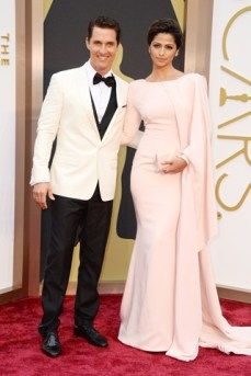 matthew-mcconaughey-camila-alves-vogue-2mar14-pa_b_320x480